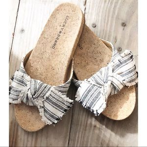 Lucky Brand Bow sandals flats slides size 7